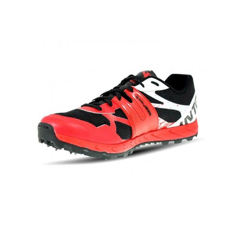 sports shoes spikes
